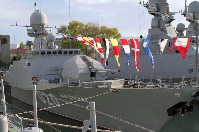 Корабли Каспийской флотилии вышли вморе набоевую службу