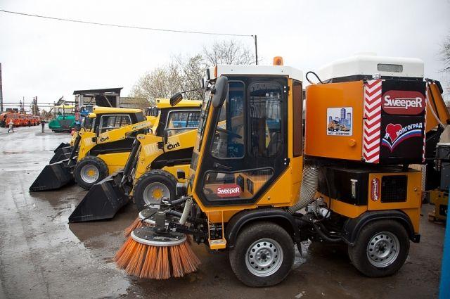 ВДагестан доставили новейшую спецтехнику, нужную для содержания дорог