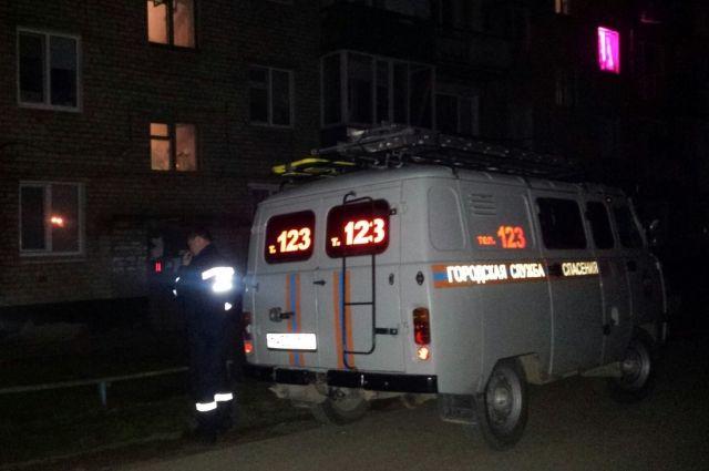 Кунгурские спасатели обеспечили доступ полиции в квартиру погибшего.