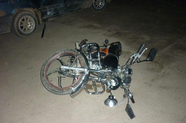 Под Ярославлем пострадали двое несовершеннолетних намотоцикле