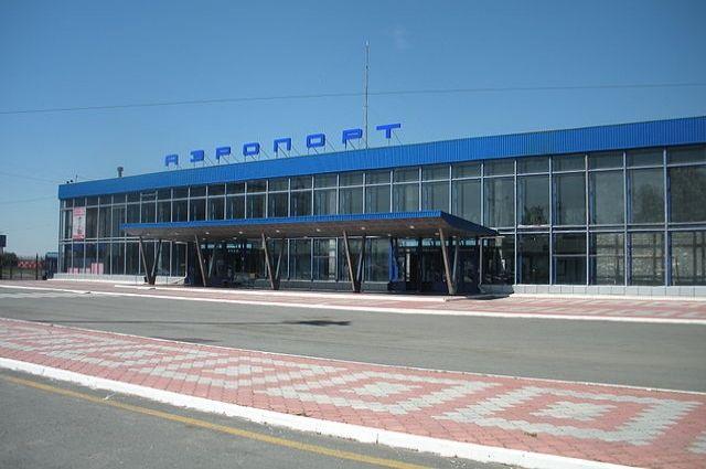 Здание курганского аэропорта.