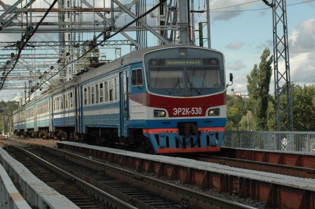 8 и 9 мая КЖД запустит дополнительные поезда на пригородных направлениях.