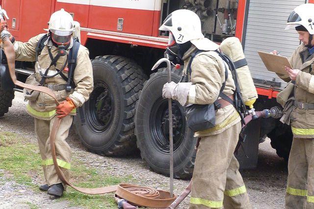 Борьба с пожарами - опасная, но очень важная профессия.