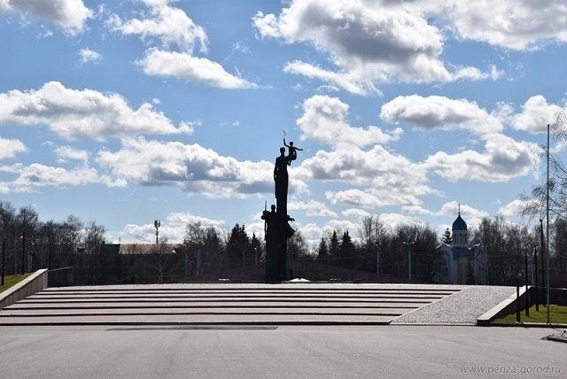 В этот день состоится возложение цветов к памятнику Победы.