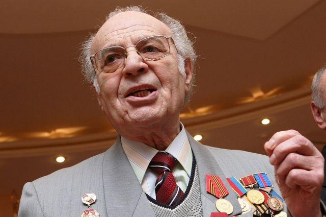 Всю свою жизнь Михаил Бушнов отдал ростовской сцене, он сыграл более 200 ролей.