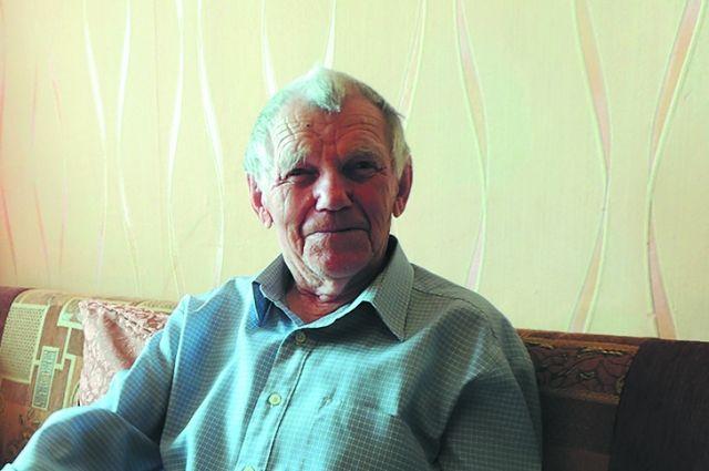 Радист первого класса Иван Щербаков до сих пор помнит язык азбуки Морзе.