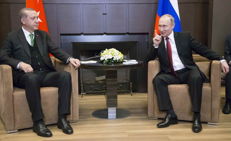 Президент РФ Владимир Путин и президент Турции Реджеп Тайип Эрдоган во время встречи.
