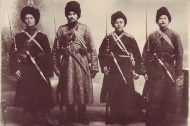 Хопёрские казаки первыми поселились в крепостях.