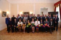 Каждый из участников торжественной церемонии трудом и упорством добился заслуженных наград.