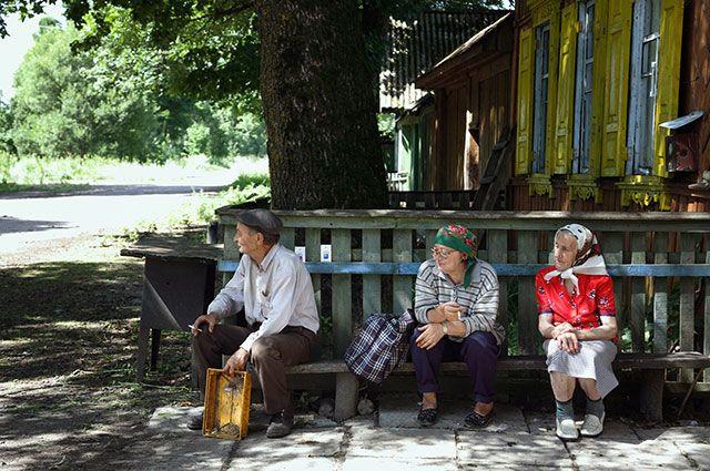 Люди, вернувшиеся жить в зону отчуждения недалеко от Гомеля.