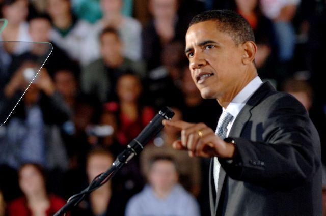 Барак Обама отказался жениться набелой девушке ради амбиций