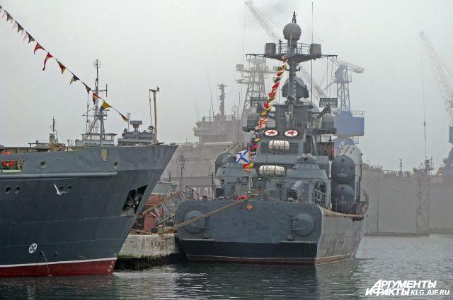 Корабли Балтфлота ушли из Балтийска в Петербург для участия в параде Победы.
