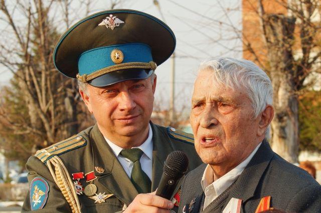 Василий Алексеевич признался, что от смерти его спасала музыка.