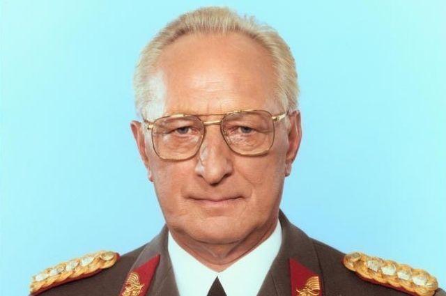 Скончался экс-министр обороны ГДР