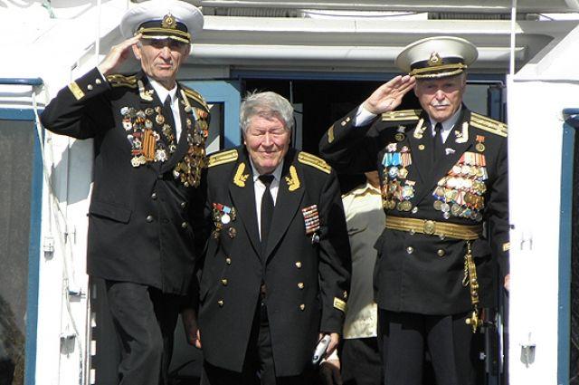 Намайские праздники ветераны смогут ездить напоездах бесплатно
