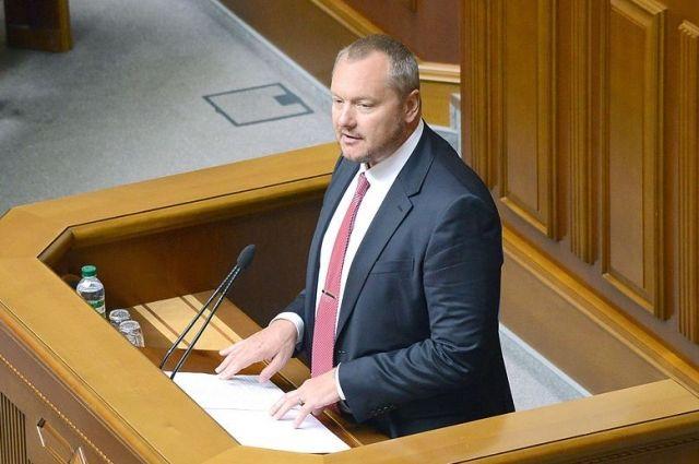 Порошенко лишил гражданства нетолько Артеменко, аиСашу Боровика