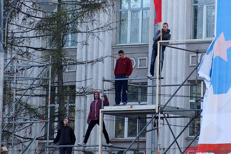 Некоторые артисты на параде Победы выступят на высотных конструкциях.