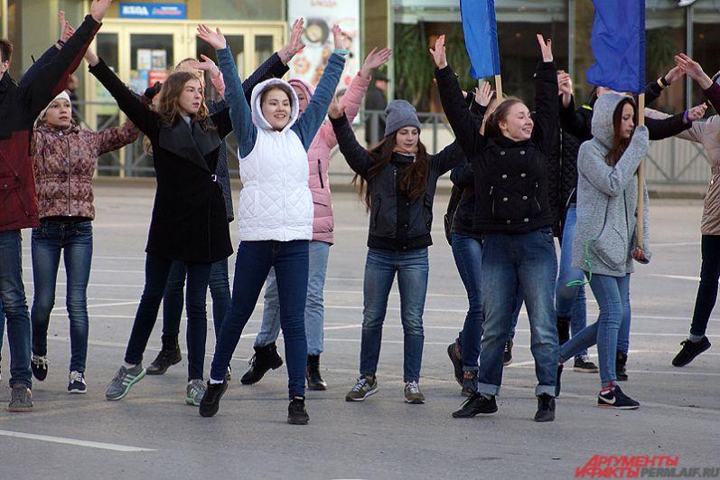 Главные участники выступления – это, конечно, активная молодёжь.