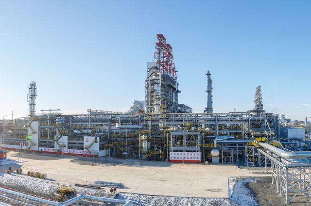 ВПерми полыхает нефтеперерабатывающий завод