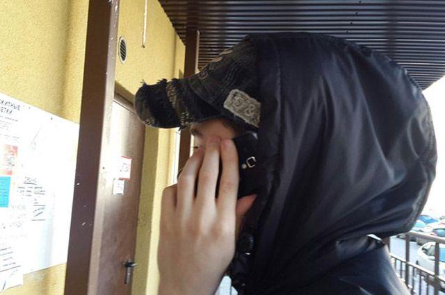 Полицейским удалось оперативно установить личность звонившего телефонного террориста и задержать его.