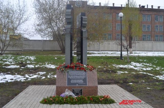 Памятник репрессированным и заключенным появился в Ленинском районе Красноярска.