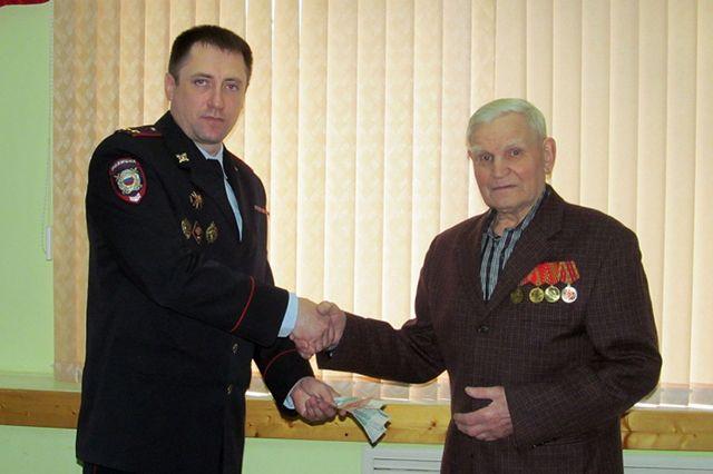 Сотрудница банка присвоила деньги ветерана ВОВ