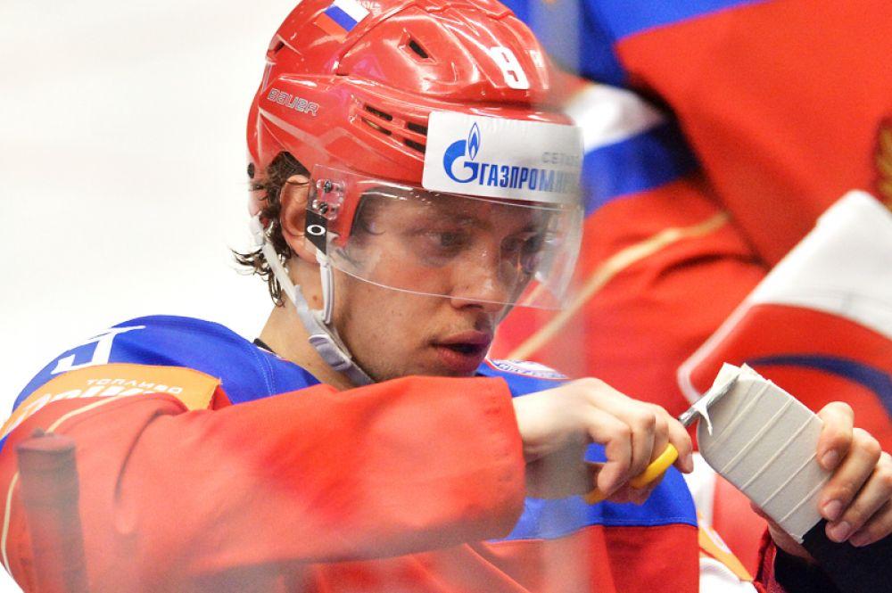 Артемий Панарин. Второй сезон в НХЛ открыл для 25-летнего Панарина новые перспективы. Форвард «Чикаго» окончательно адаптировался в сильнейшей лиге мира, стал одним из лидеров команды и помог ей пройти в плей-офф с первого места в Западной конференции.