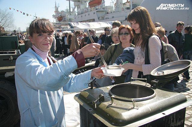 11 тысяч порций фронтовой каши приготовят повара Балтфлота на 9 Мая.
