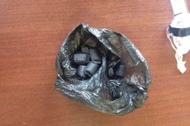 Тверские полицейские изъяли у«закладчиков» несколько видов наркотиков
