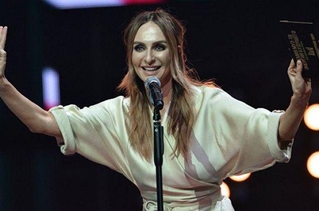 Звезде Comedy Woman запретили заезд вУкраинское государство запесню оПутине
