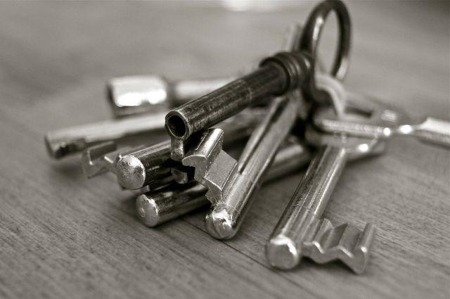 ВКирове осудили участкового, который продавал квартиры умерших старушек