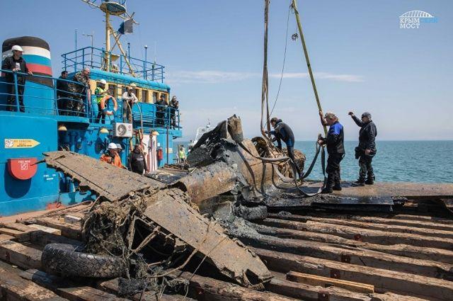 Наместе возведения Крымского моста отыскали затонувший американский истребитель