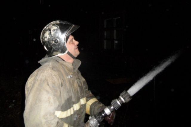 Прошедшей ночью наРябовском шоссе горело заброшенное строение