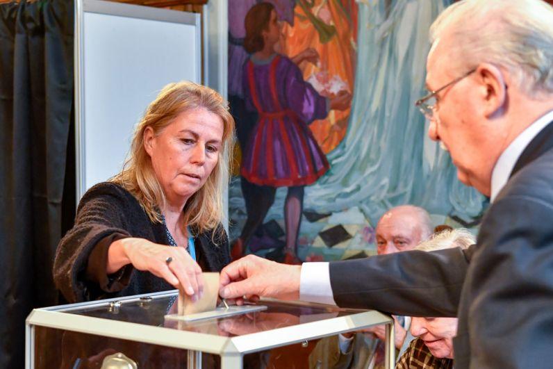 На избирательном участке в городе Ле-Туке.