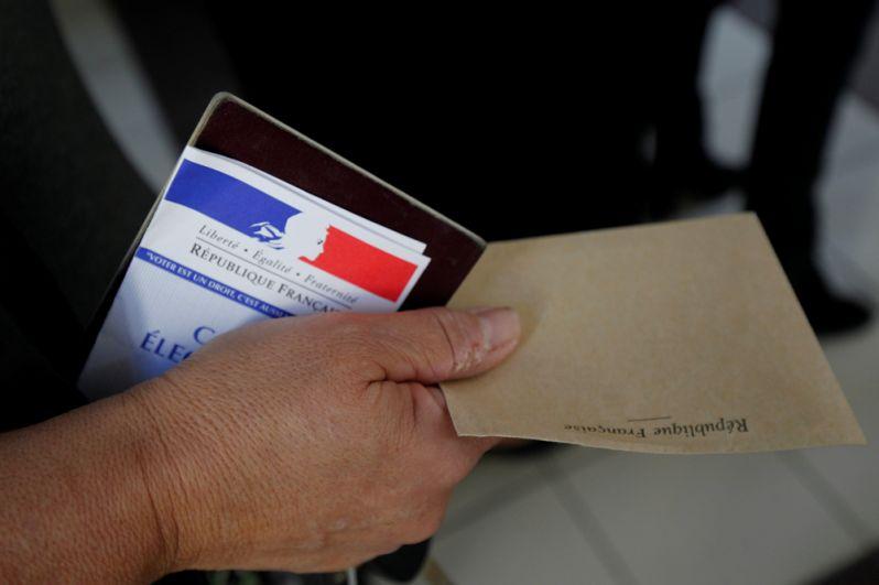 На избирательном участке в Марселе.