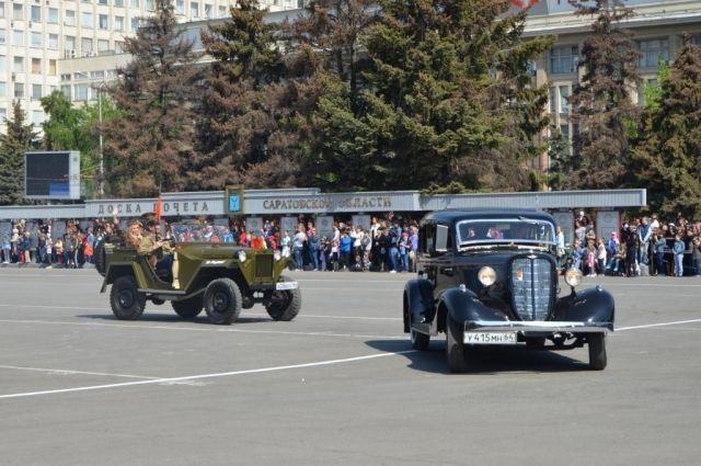 ВСаратове подчеркнули парадом 72-ю годовщину Победы вВеликой Отечественной войне