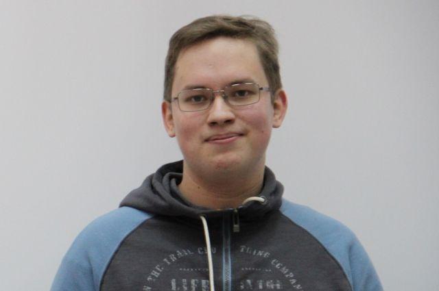 Василий вошел в национальную команду РФ по физике для участия в международной олимпиаде по физике в июле 2017года в Индонезии