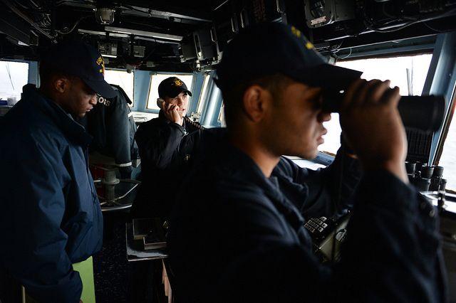 Военный корабль США столкнулся сюжнокорейским рыболовным судном