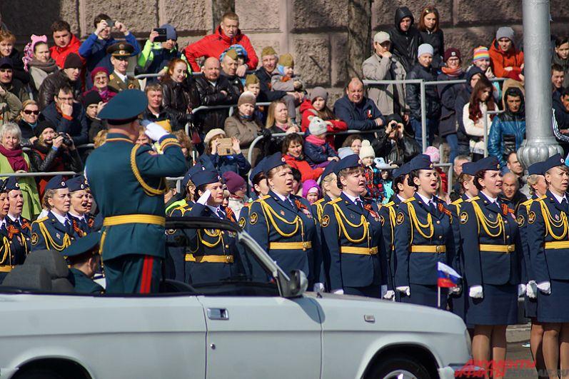 Всего в пермском параде Победы приняли участие 23 «коробки» военных.
