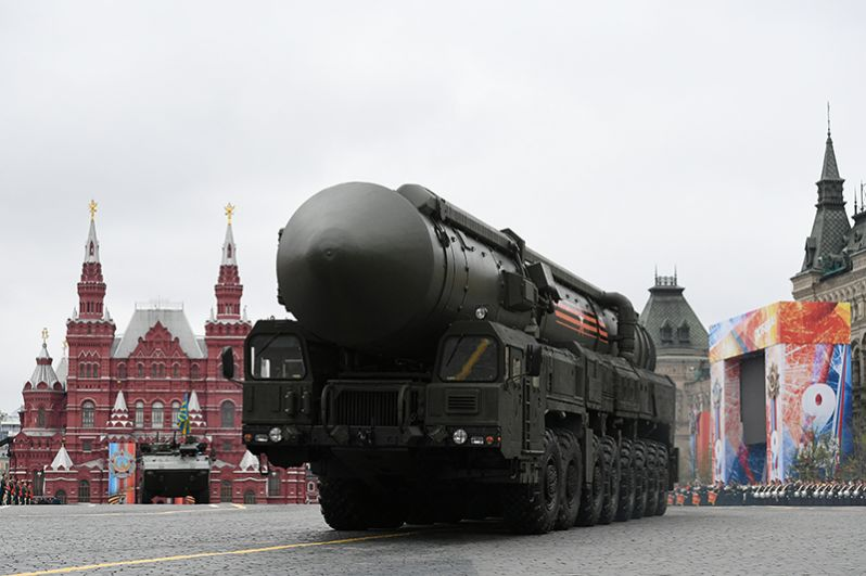 Подвижный грунтовый ракетный комплекс (ПГРК) «Ярс» с РС-24 на военном параде на Красной площади, посвященном 72-й годовщине Победы в Великой Отечественной войне.