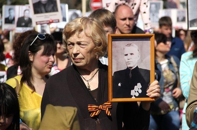 В прошлом году портреты своих предков-участников войны пронесли более 35 тысяч человек.