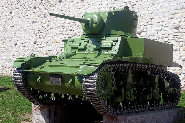 Более 60 моделей военной техники представил Викуловский музей