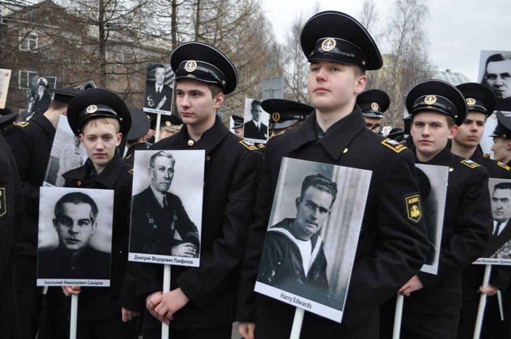 Впервые в этом году в колонне Бессмертного полка были портреты союзников – участников Северных конвоев