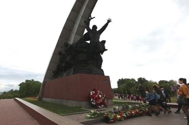 Памятники ростов на дону 9 мая 2018 цены на памятники самары таганроге