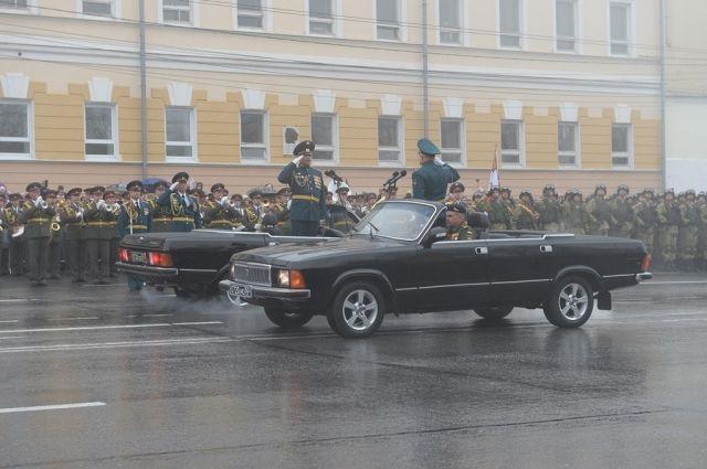 Тысячи нижегородцев посетили военный парад Победы 9мая