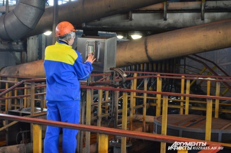 Почти 40% работников (всего их 423) не старше 35 лет – многие попали на «Черниговский» после производственных практик.