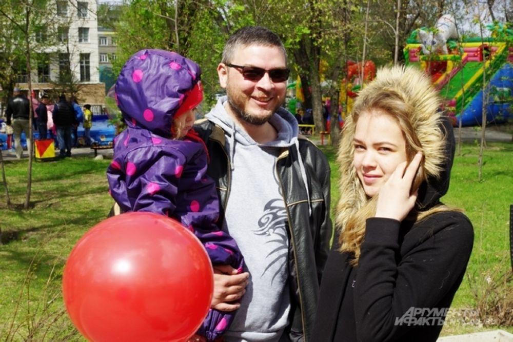 Некоторые новосибирцы пришли на праздник всей семьей