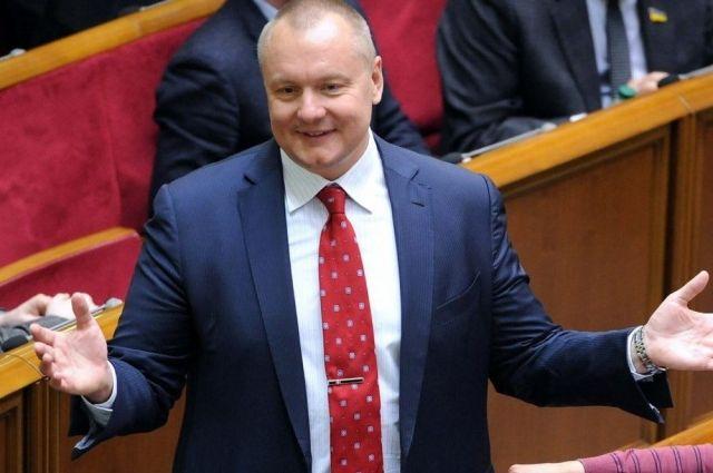 Утративший гражданство депутат Артеменко может свободно приходить впарламент