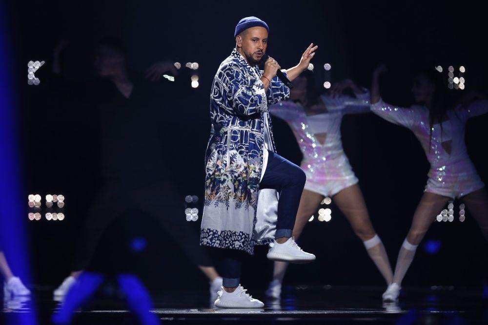 Монатик представил англоязычную версию песни «Кружит»