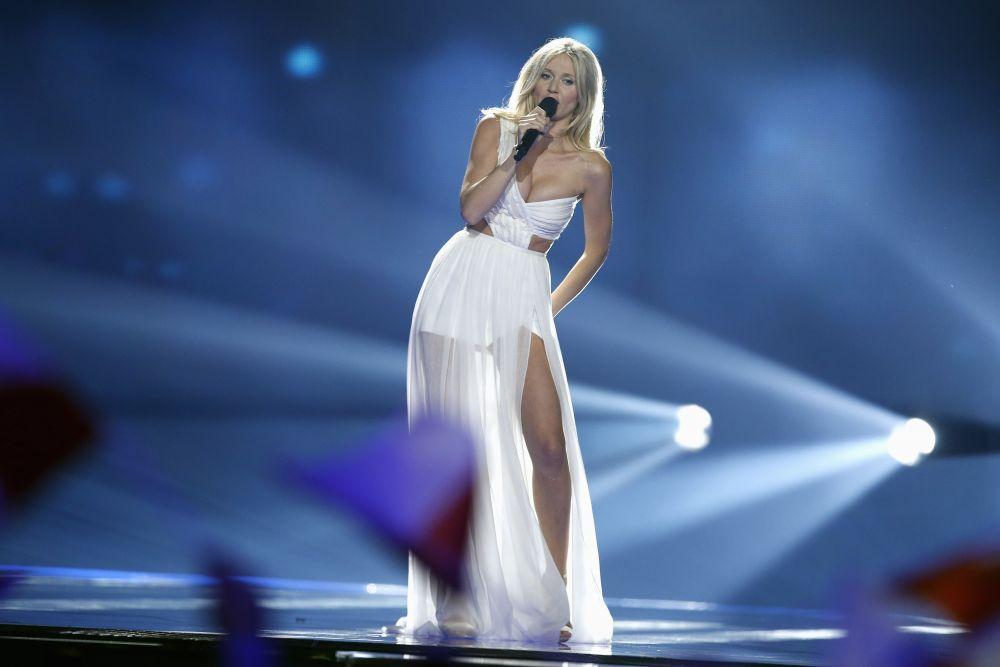 Участница от Польши, которая стала известна благодаря съемкам в Playboy Kaisa Mos